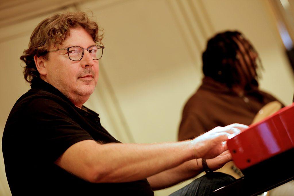 Gilles Klopfenstein au clavier